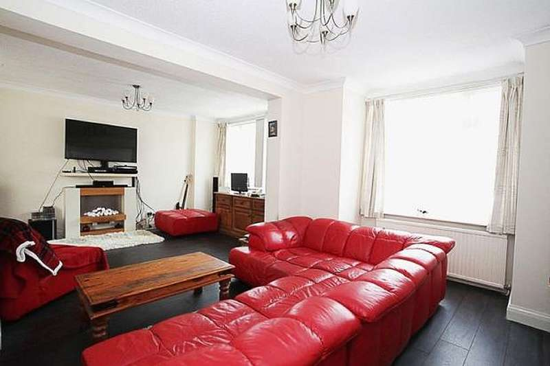 4 Bedrooms Detached House for sale in St. Peters Road, Dunstable, Bedfordshire, Bedfordshire, LU5 4HY