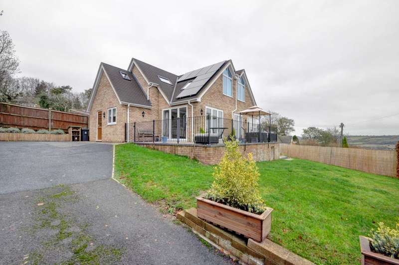 4 Bedrooms Detached House for sale in Ridgeside, Bledlow Ridge