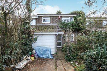2 Bedrooms End Of Terrace House for sale in Dunsmore Road, Luton, Bedfordshire