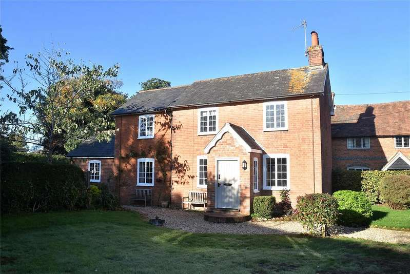 3 Bedrooms Detached House for sale in The Common, Silchester, Reading, Hampshire, RG7