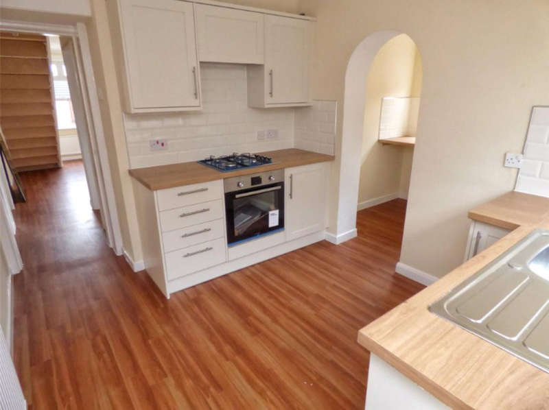 2 Bedrooms Terraced House for sale in Woolley Bridge, Hadfield