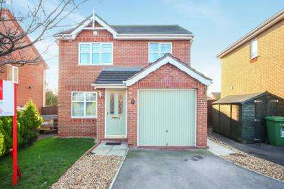 3 Bedrooms Detached House for sale in Croftwood Close, Winsford, Cheshire