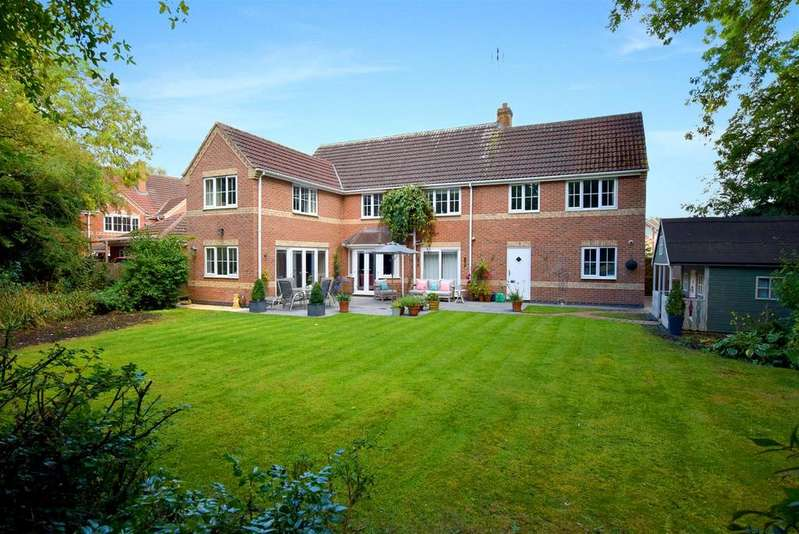 5 Bedrooms Detached House for sale in Whistlestop Close, Mickleover, Derby