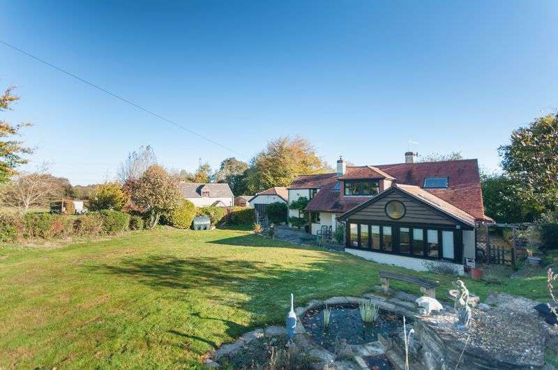 4 Bedrooms Property for sale in Bere Regis