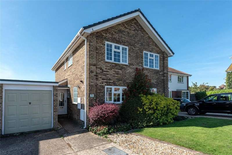 4 Bedrooms Detached House for sale in North Way, Seaford, East Sussex, BN25
