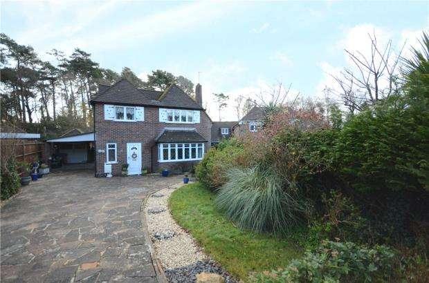 4 Bedrooms Detached House for sale in Beech Ride, Sandhurst, Berkshire