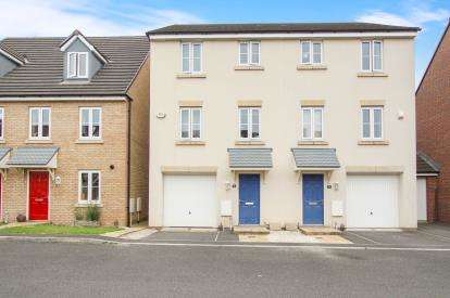 4 Bedrooms Semi Detached House for sale in Mulberry Crescent, Yate, Bristol