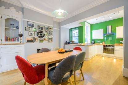 4 Bedrooms Terraced House for sale in Portsmouth, Hampshire, England