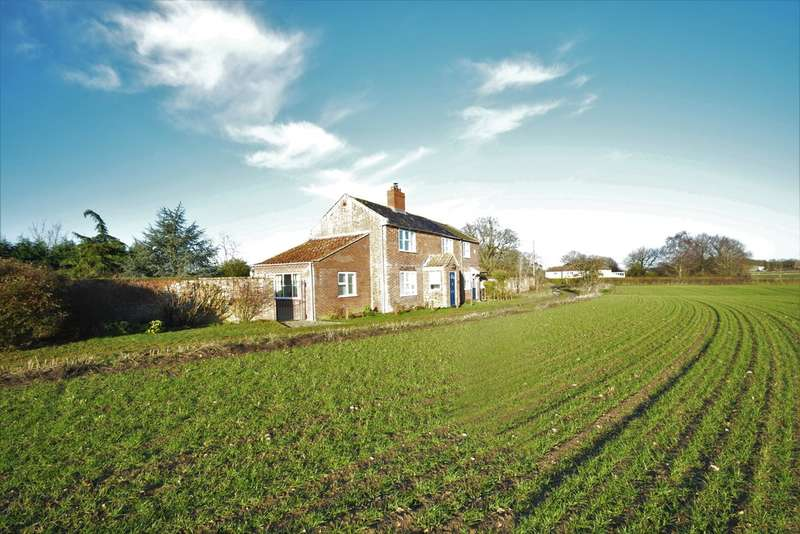 4 Bedrooms Cottage House for sale in Bungay Road, Stockton, Beccles