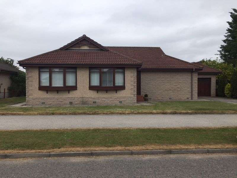 3 Bedrooms Property for sale in Broadstraik Avenue, Westhill