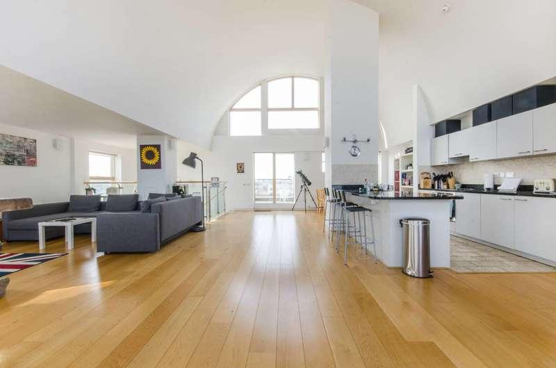 3 Bedrooms Penthouse Flat for sale in Maurer Court, Greenwich Millennium Village, SE10