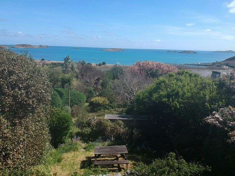 3 Bedrooms Property for sale in Higher Town, St Martin's