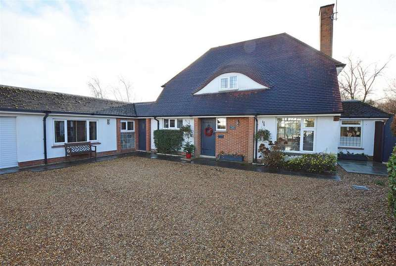 4 Bedrooms Detached House for sale in Thorpe Road, Longthorpe, Peterborough