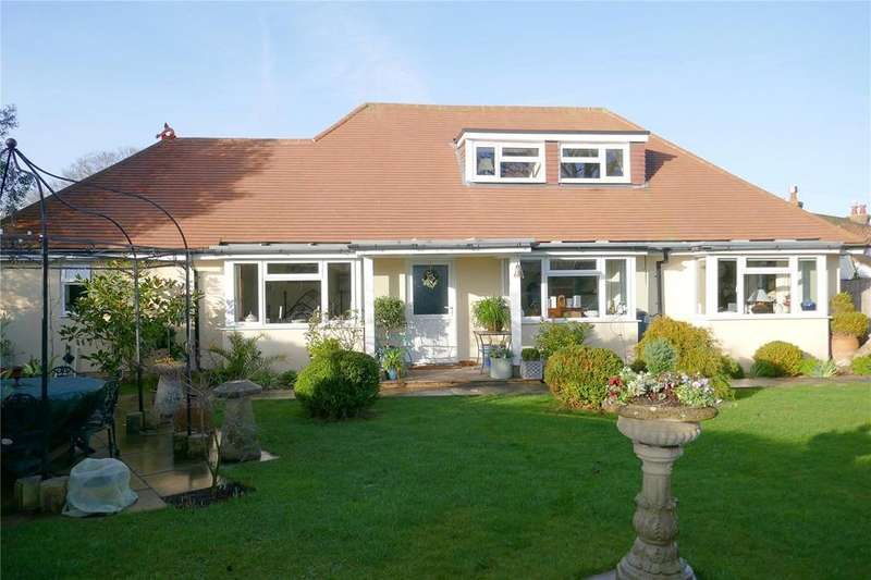 4 Bedrooms Detached House for sale in Chestnut Walk, Bexhill-on-Sea, East Sussex, TN39