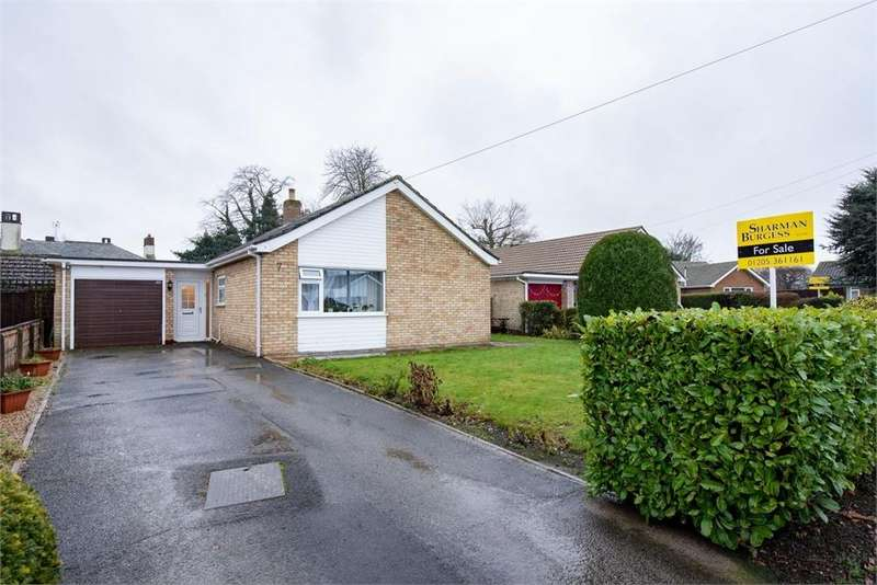 2 Bedrooms Detached Bungalow for sale in Coningsby Close, Boston, Lincolnshire