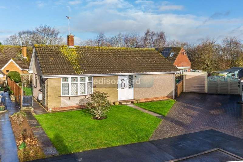 2 Bedrooms Detached Bungalow for sale in Abbeydale, Winterbourne, Bristol, BS36