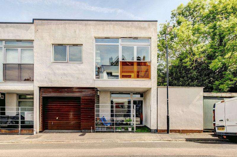 2 Bedrooms Semi Detached House for sale in Gibson Road, Cotham