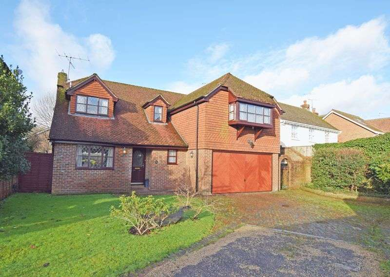 4 Bedrooms Property for sale in Butts Mews The Butts, Alton