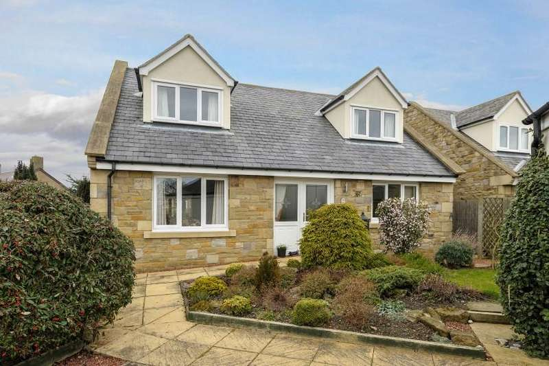 3 Bedrooms Bungalow for sale in 2 Regal Close, Seahouses, Alnwick