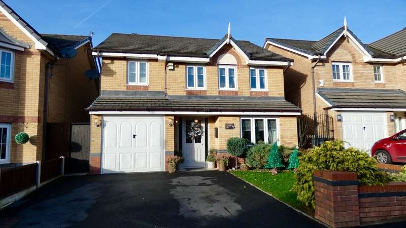 4 Bedrooms Detached House for sale in Rushway Avenue, Manchester, Greater Manchester, M9