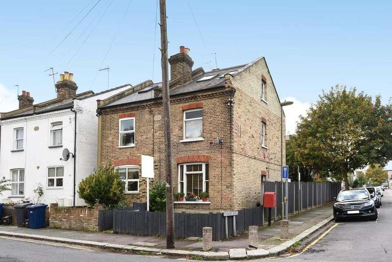3 Bedrooms Semi Detached House for sale in Grove Road, North Finchley