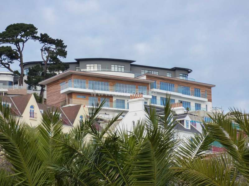 3 Bedrooms Terraced House for sale in St Brelade