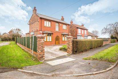 3 Bedrooms Detached House for sale in Halegate Road, Widnes, Cheshire, Tbc, WA8