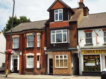 House for sale in High Street South, Dunstable, Bedfordshire, England
