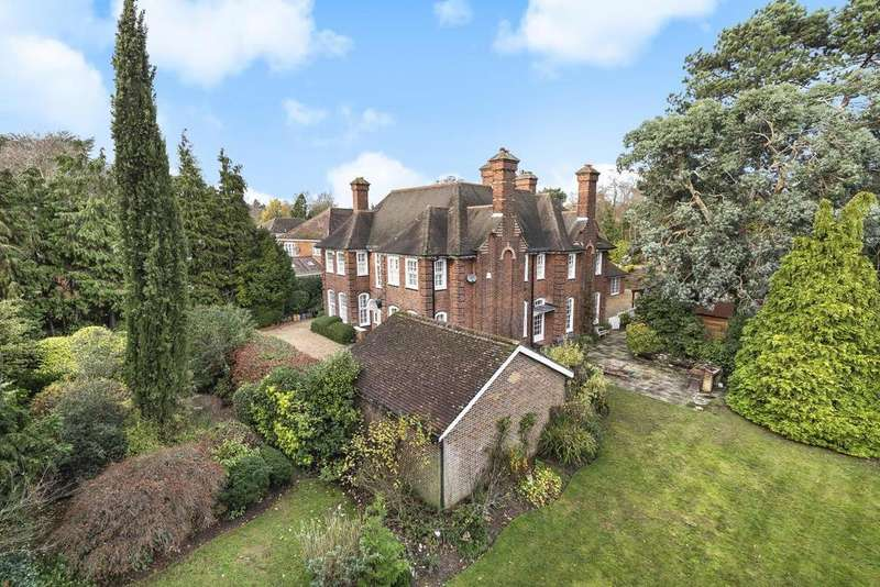 6 Bedrooms Detached House for sale in Woodlands Road, Bickley