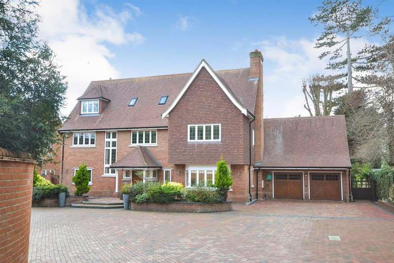5 Bedrooms Detached House for sale in Station Lane, Ingatestone