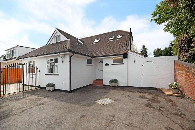 4 Bedrooms Detached House for sale in Farm Drive, Old Windsor, Windsor, Berkshire, SL4