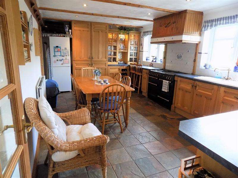 4 Bedrooms Detached House for sale in Chepstow Road, Treorchy, Rhondda, Cynon, Taff. CF42 6UU