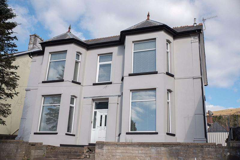 4 Bedrooms Detached House for sale in Brithweunydd Road, Tonypandy, Rhondda, Cynon, Taff. CF40 2UF
