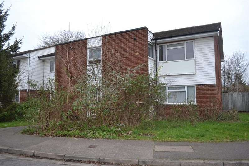 2 Bedrooms Maisonette Flat for sale in Chiltern Drive, Charvil, Reading, Berkshire, RG10