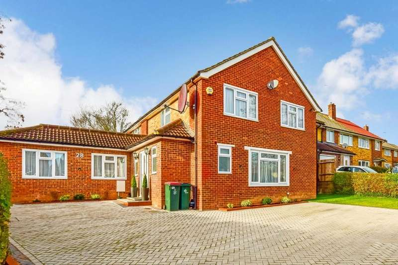 8 Bedrooms Detached House for sale in Lambourne Close, Furnace Green