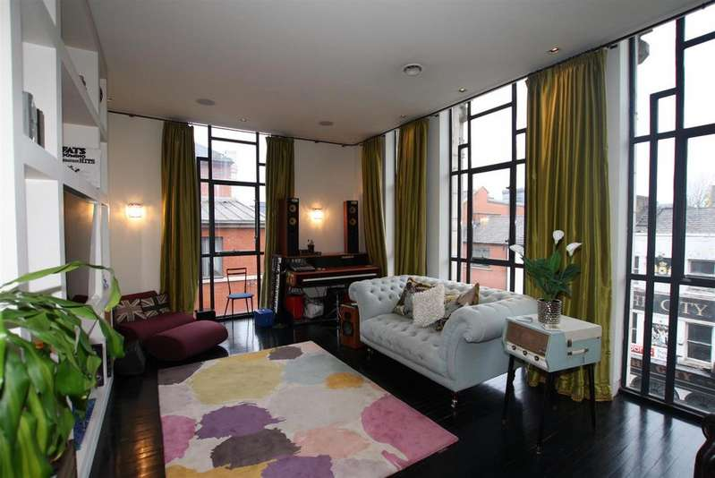 2 Bedrooms Apartment Flat for sale in The Burton Building, 90-94 Oldham Street, Manchester