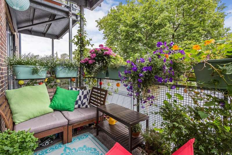 2 Bedrooms Flat for sale in Dog Kennel Hill, East Dulwich, SE22