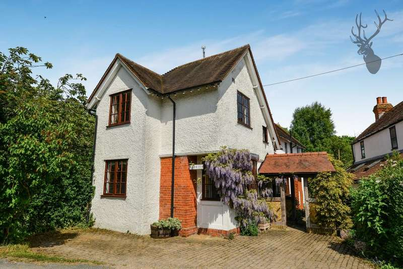 4 Bedrooms Detached House for sale in Pensons Lane, Greensted Green, CM5