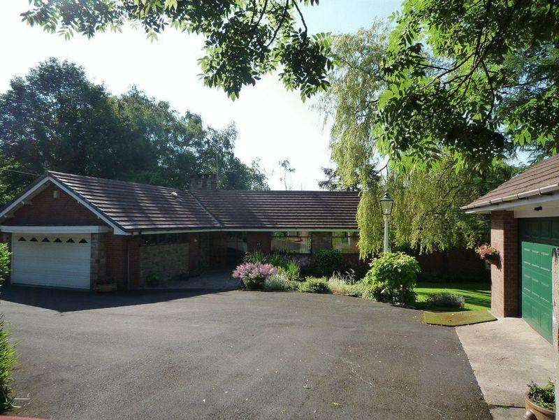 4 Bedrooms Detached Bungalow for sale in Bamford Way, Bamford, Rochdale OL11 5NB