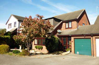 4 Bedrooms Link Detached House for sale in West Canford Heath, Poole, Dorset