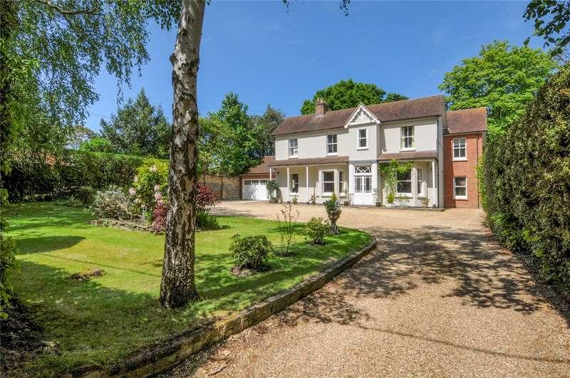 6 Bedrooms Detached House for sale in Chertsey Road, Windlesham, Surrey, GU20