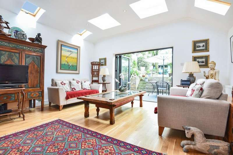 4 Bedrooms Semi Detached House for sale in Fawe Park Road, Putney