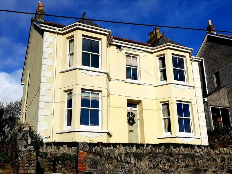 4 Bedrooms Detached House for sale in Southpark Road, Tywardreath, Cornwall, PL24