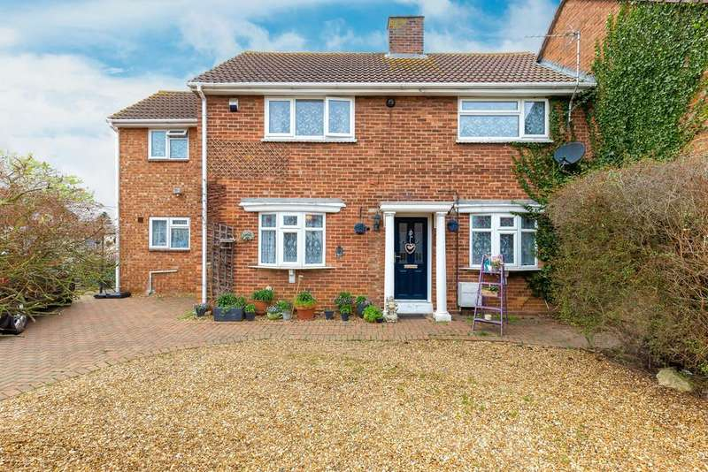6 Bedrooms Semi Detached House for sale in Old Mill Avenue, Warboys