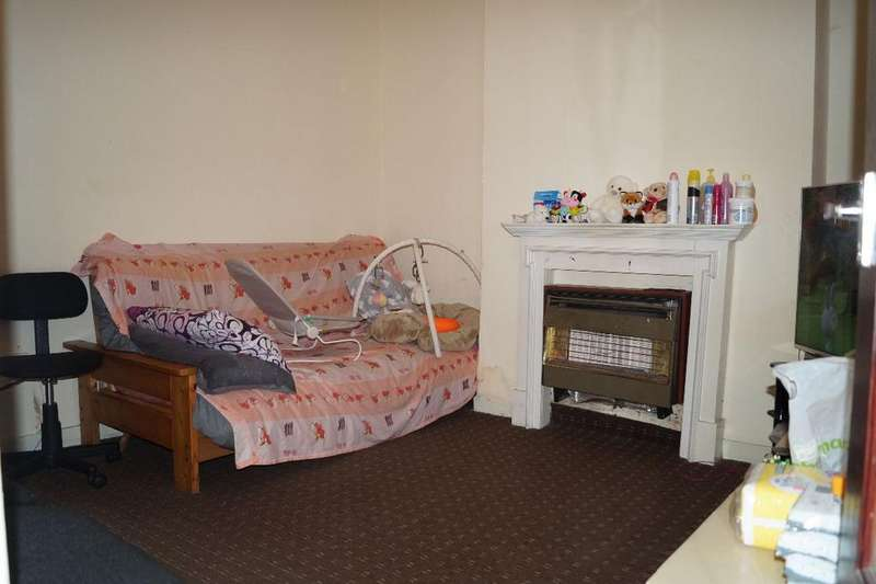 3 Bedrooms Town House for sale in Selby Street, Openshaw, Manchester, M11