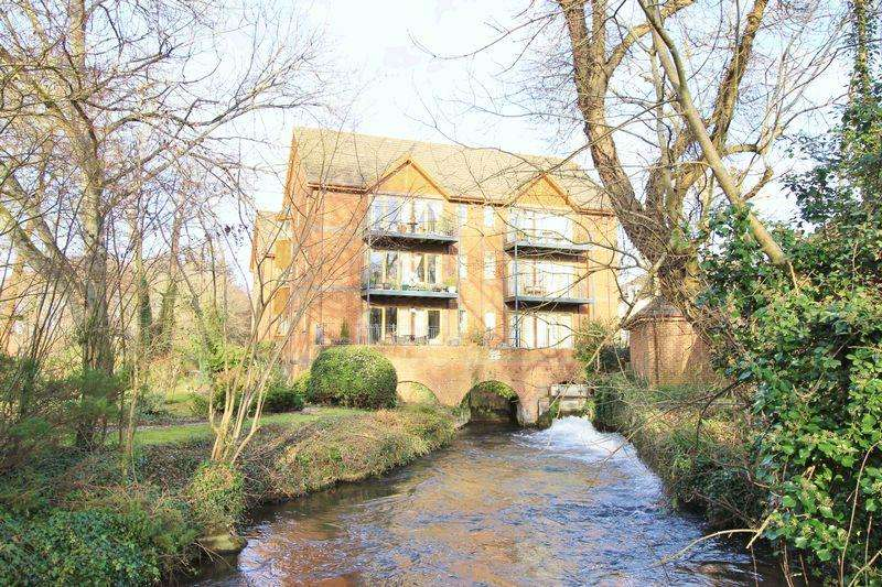2 Bedrooms Apartment Flat for sale in Test Mill, Romsey