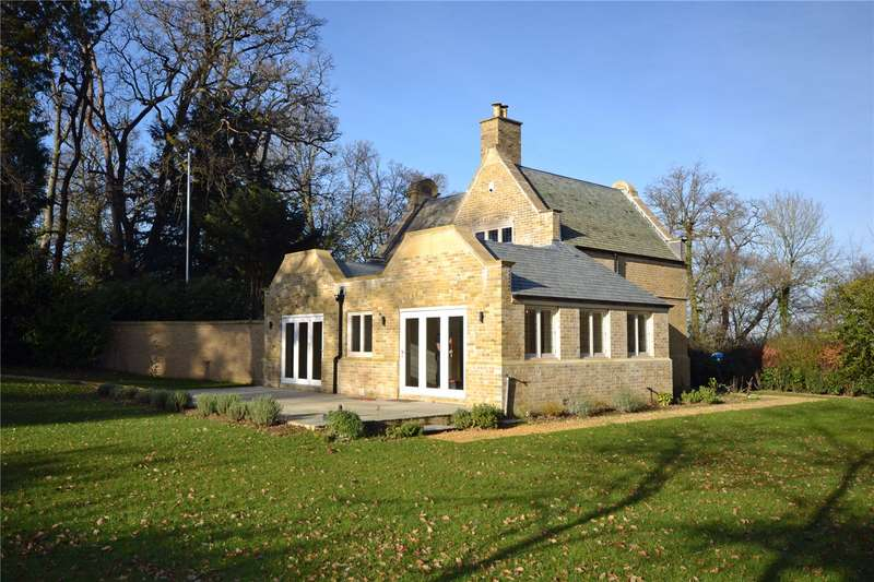 3 Bedrooms Detached House for sale in Castle Malwood, Minstead, Lyndhurst, Hampshire, SO43