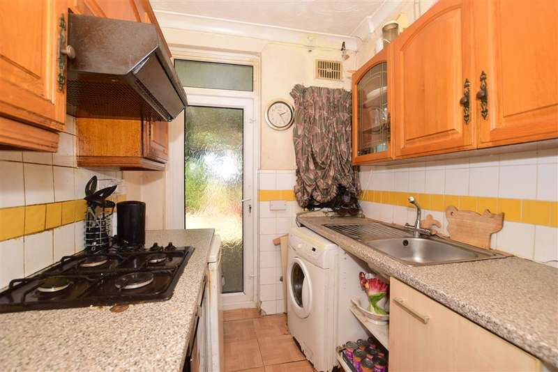 3 Bedrooms Terraced House for sale in Moordown, , London