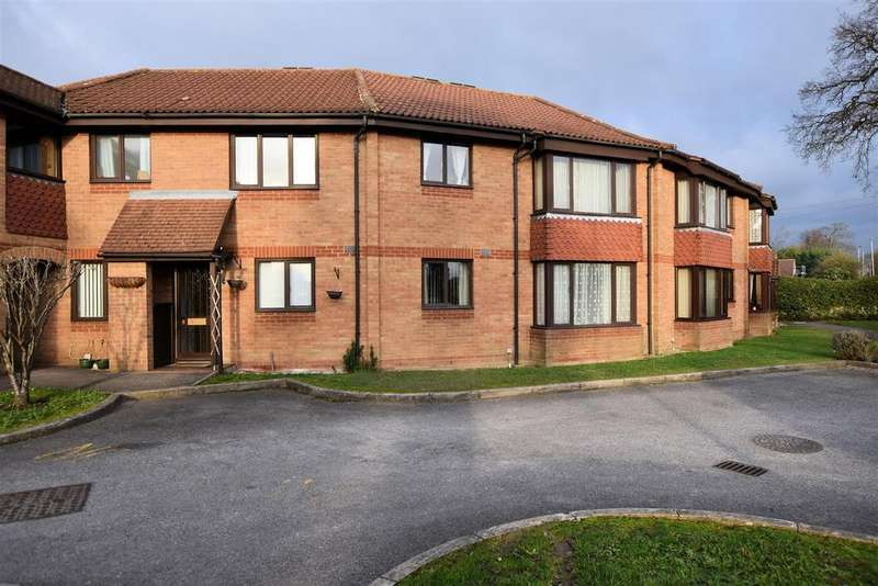 1 Bedroom Apartment Flat for sale in Burrcroft Court, Reading
