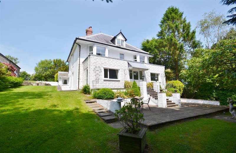 6 Bedrooms Detached House for sale in Carmarthen